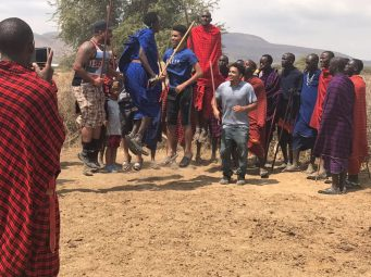 Ngorongoro-dancing with Maasai