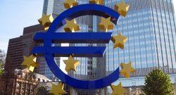 Euro Symbol outside ECB by MPD01605 www.flickr.com/photos/mpd01605/2462877914/