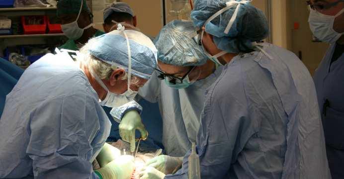 Corazón creado en impresora 3D - revolución en trasplantes de órganos