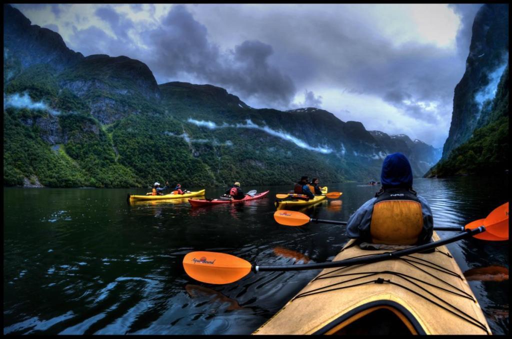 Norveç fiyortlarında yolculuk