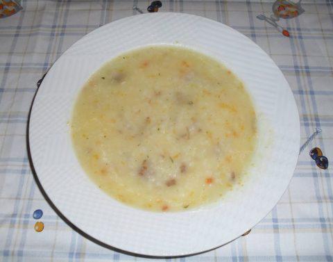Supë me lëng mishi dhe oriz - KuzhinaIme.al
