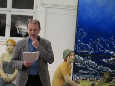 Bei der Vernissage: Einführungsredner Gunter Schmidt