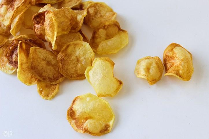 Heerlijk knapperige chips die je zelf hebt gemaakt.