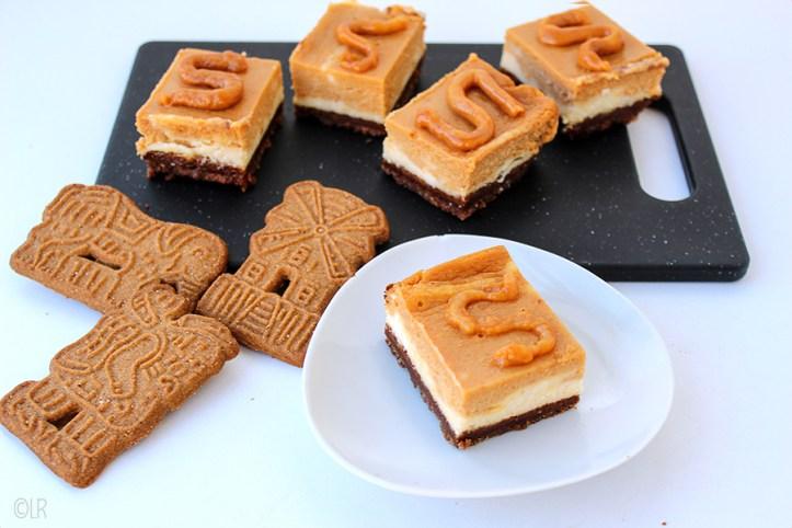 Heerlijke eenhaps blokjes cheesecake met karamel en een speculaasbodem. Perfect voor het heerlijk avondje.
