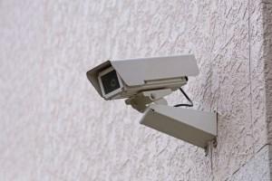防犯カメラの選び方①ネットに繋がるカメラではなくクラウドカメラ。罪が起きた時に使えるカメラを探そう