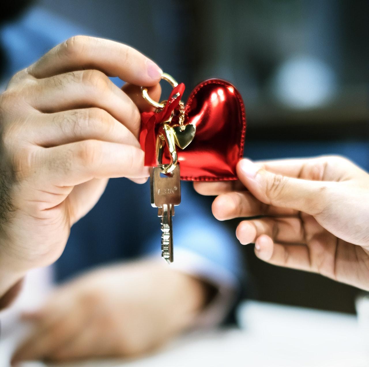 Jak przekazać mieszkanie osobie bliskiej?