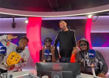 From Kumerica To Tim Westwood, Amerado Blesses The Mic During A Freestyle Session With Yaw Tog &Kweku Flick