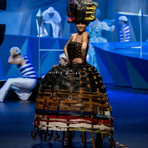 World of WearableArt 2017_222 Buckle Belts by Annina Gull_Switzerland_01