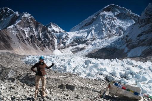 Gosia pośrodku Everest Base Camp (5364m). Stąd startują wyprawy na najwyższy szczyt Świata