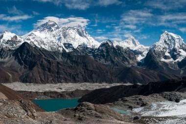 Widok na Mount Everest, Nuptse, Lhotse,Makalu z przełęczy Renjo La