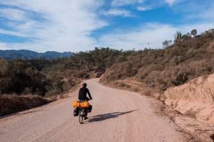 Szutrowa droga pomiędzy Villa Montes a Entre Rios