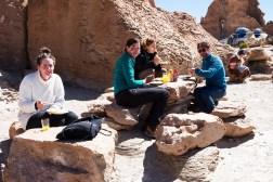 Obiad na skalnym stole