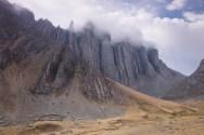Filary we mgle na ostatnim noclegu - przed przełęczą Chucopampa