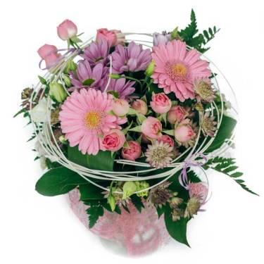 różowy bukiet z gerber i margaretki