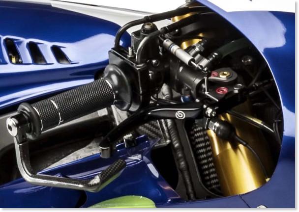 http://i0.wp.com/www.asphaltandrubber.com/wp-content/uploads/2016/01/2016-Yamaha-YZR-M1-Jorge-Lorenzo-02.jpg