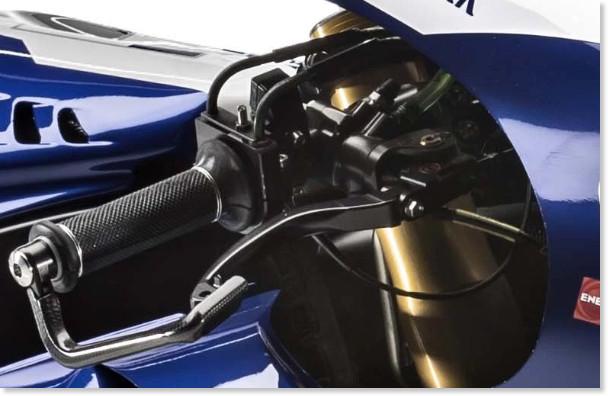 http://i1.wp.com/www.asphaltandrubber.com/wp-content/uploads/2016/01/2016-Yamaha-YZR-M1-Valentino-Rossi-02.jpg