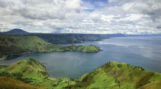 Developing Lake Toba tourism through geopark concept