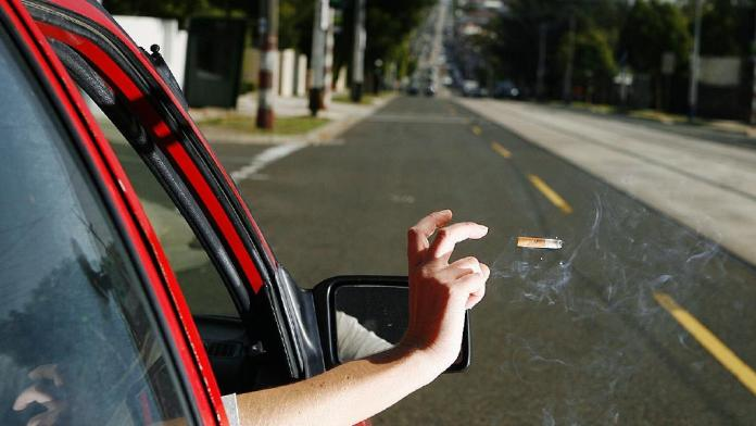 Fines up to 200 KD for throwing cigarette butts on pavements