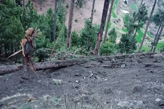 Indian Jets Strike on Pakistani Side of Kashmir Line