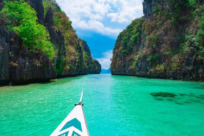 Philippines Visit this 11 Countries when you coming to Asia the first time
