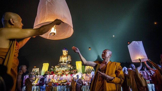 5 facts about Buddhists around the world
