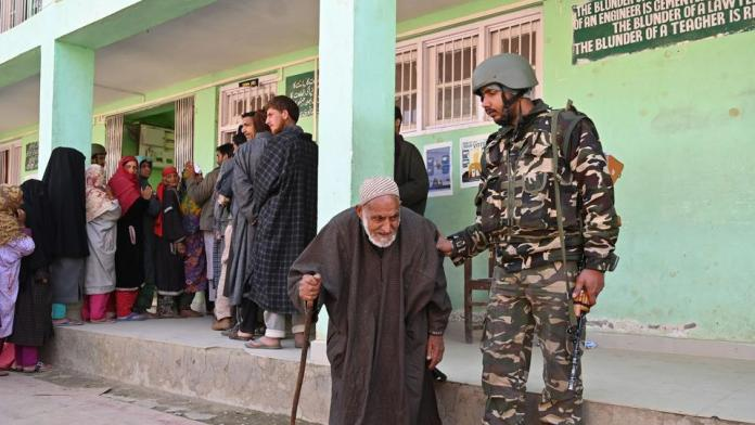 Lok Sabha Elections 2019: Amid stray clashes, 10.32% voting in Anantnag in phase 2