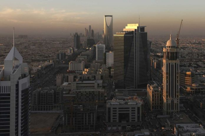 Saudi Arabia grants an everlasting residence permit to expats for $213,000