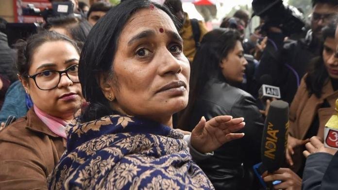 Delhi 2012 gang-rape victim's mother honours court's execution order; And says my daughter got justice!