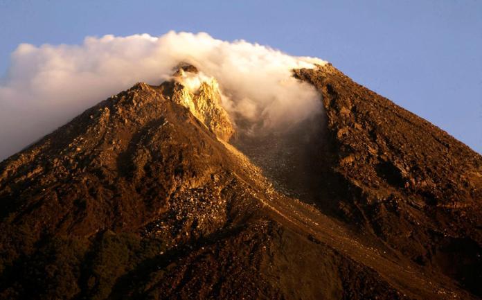 Indonesia's Mount Merapi erupts again