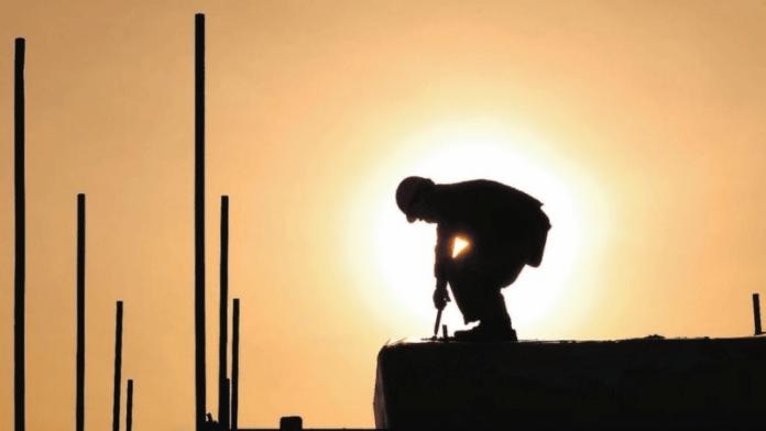 Upto 200 KD fine per worker who violates summer work ban in Kuwait