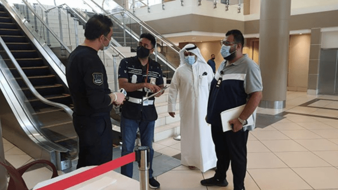 Kuwait: 141 warnings and 8 violations after nonvaccinated entry ban