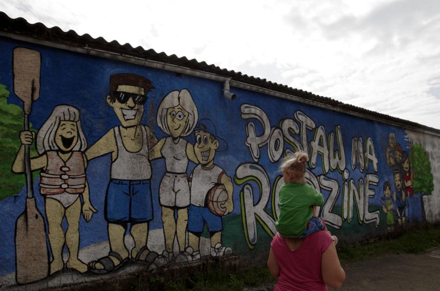 Bożków - Mural Postaw na rodzinę