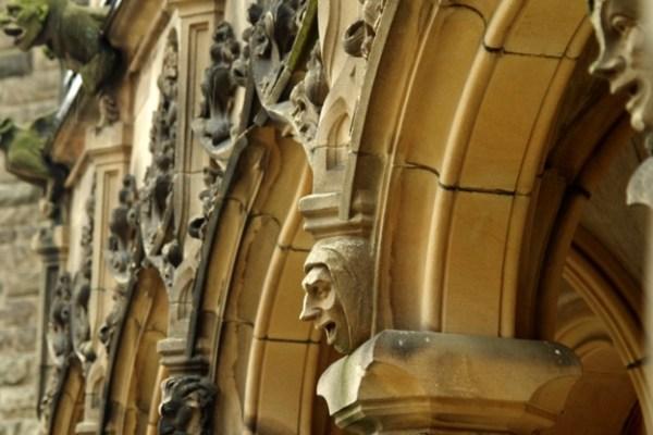 Zamek Moszna - balkon - sztukateria