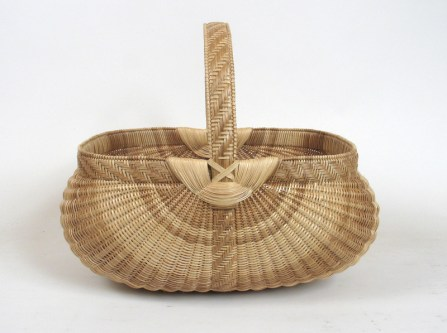 Leona Waddell white oak basket. Photo by Beth Hester and Scott Gilbert.