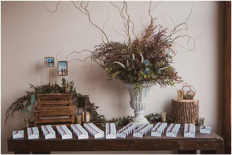 bottom lounge wedding details