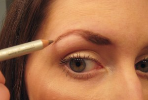 Eyebrows: Pencil vs. Powder