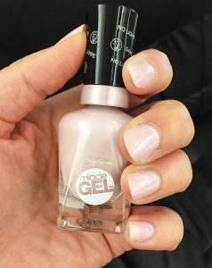 Sally Hansen Miracle Gel Polish and top coat is the perfect drugstore option for a longlasting manicure when you don't have the time or money for the salon. Just apply two coats of the color and the step two top coat - no UV lights are needed to set!