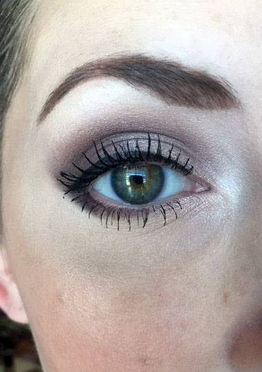 This full face of Rimmel Cosmetics features a review on the Magnifeyes Shadow Palette in the color Keep Calm and Wear Gold, the Scandaleyes Thick and Thin Eyeliner, Sup Curler Mascara and Brow This Way Brow Palette