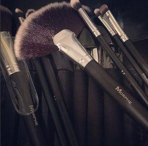 10 gift ideas for every woman on your list - impress her with these unique gift ideas this Christmas! Any makeup maven would love being gfted a great brush set like the 18-piece vegan brush set from Morphe Brushes!