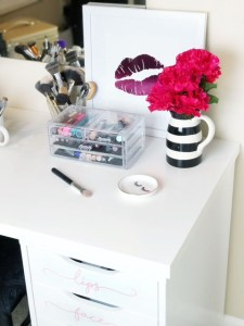 Makeup Organization: Inexpensive Ideas for Your Vanity