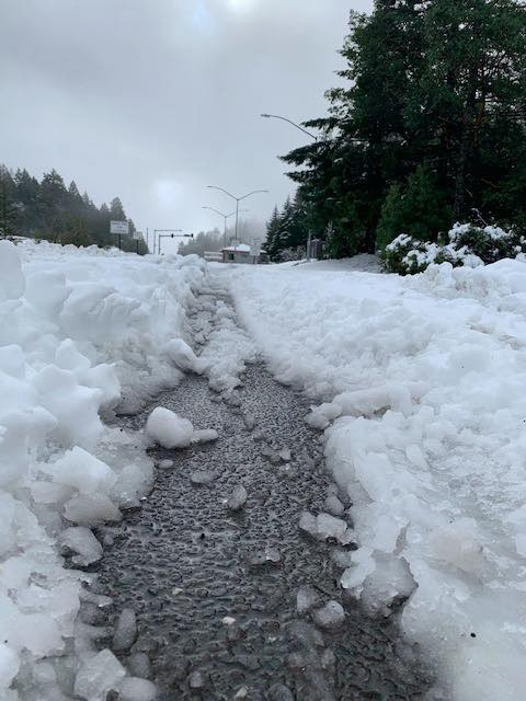Snow on Hwy 101 near Ukiah. [Photo from Caltrans' Facebook page]