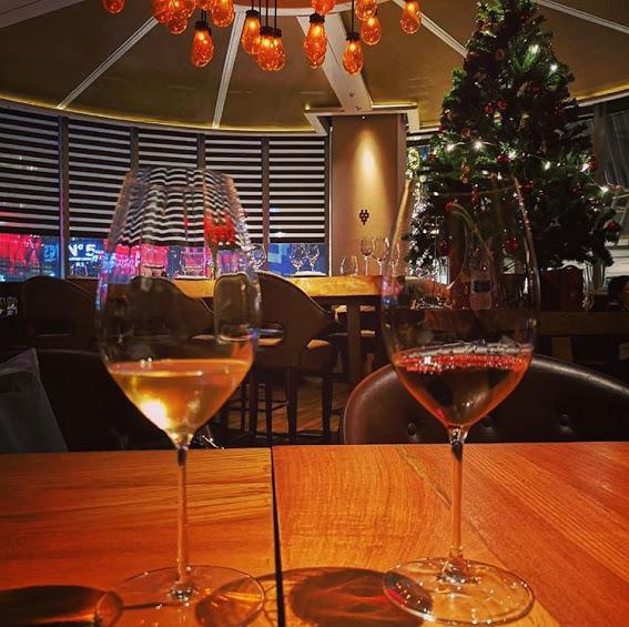 【バンコク、チットロムにあるゲイソンプラザ内にあるワイン専門店へ】Riedel Wine Bar And Ce(リデール ワイン バー)