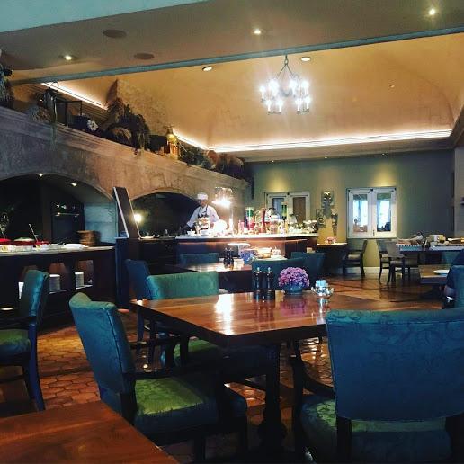 【バンコク、シェラトングランデホテルのプラチナ会員以上の特別な朝食】ROSSINI'S