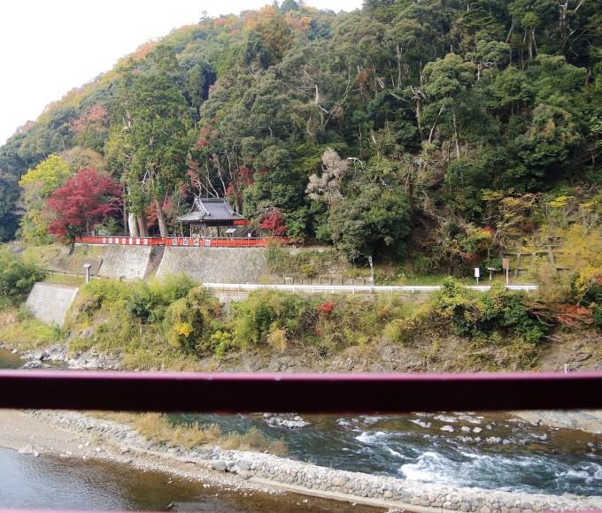 京都・トロッコ列車・保津川・神社・亀岡