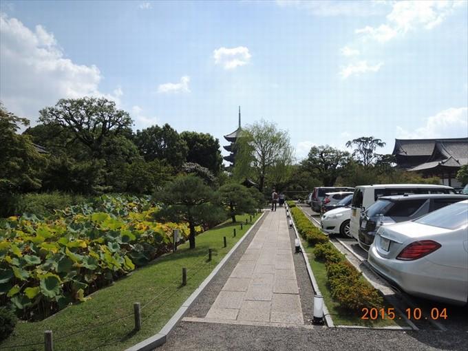 2駐車場から五重塔