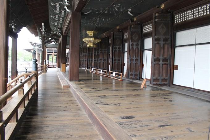 28阿弥陀堂の床