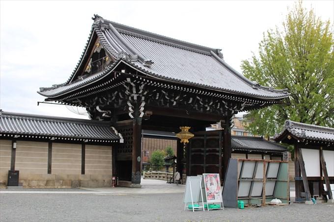 7御影堂門(内部から)