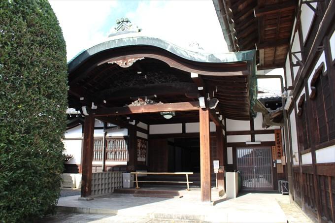 53寺務所玄関