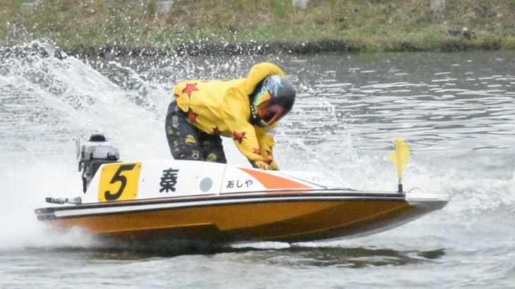 【競艇選手名鑑】大阪支部が産んだ100期生、秦英悟というイケメン男性ボートレーサー