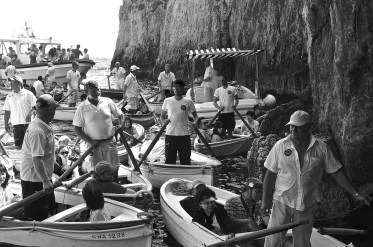 blue grotto boats